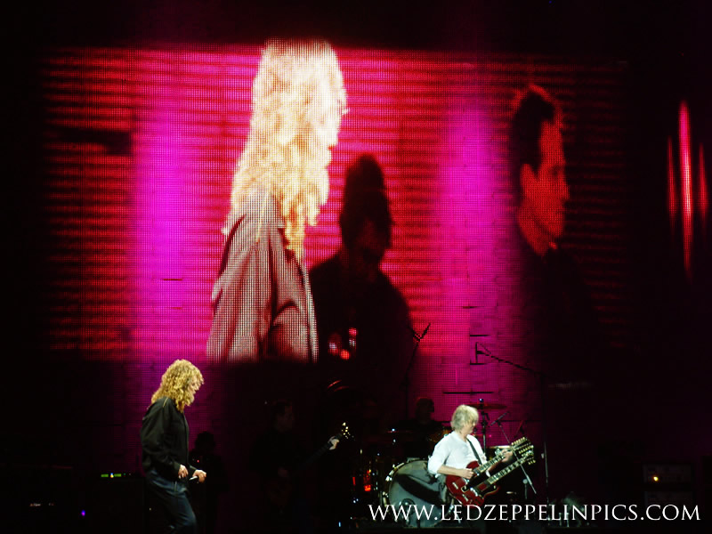 Led Zeppelin - Stairway to heaven, Page with Doubleneck - Pic By ledzeppelinpics.com